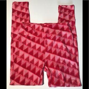 Lularoe LLR Valentine Leggings Xxxooo triangles OS